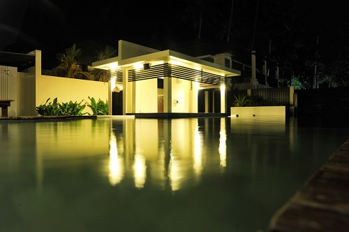Pool house outdoor lighting